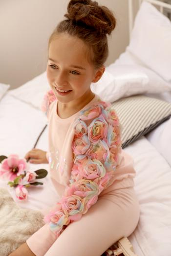 Różowa bluza z kolorowymi...