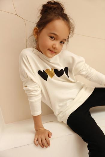 Kremowa bluza z sercami