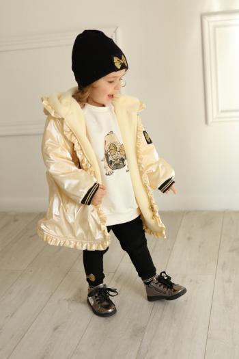 Kremowa kurtka na polarze